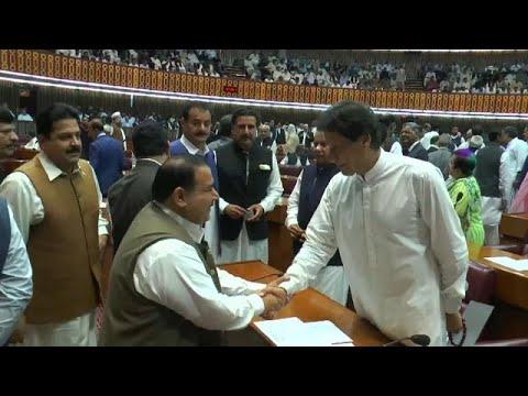 euronews (em português): Imram Khan confirmado como primeiro-ministro paquistanês