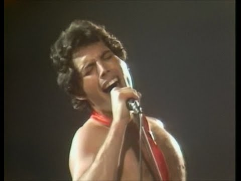 Queen - Now I'm Here - Hammersmith 1979