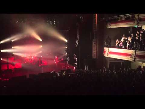 Catfish and the Bottlemen - Red (Halifax Victoria Theatre)