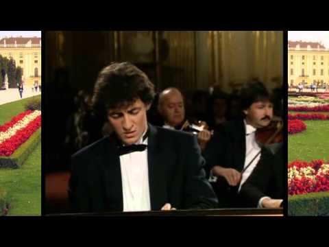 Aleksandar Madžar - W.A. Mozart Piano Concerto No27 in B flat Major, K595
