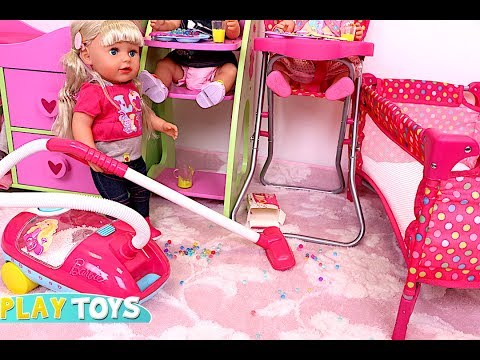 Baby Doll Washing Machine Laundry Toys in the Dollhouse! 馃巰