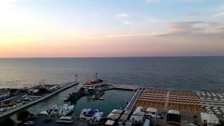 La piscina panoramica del Nautico Hotel di Riccione