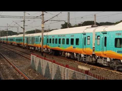 Hamsafar express at kalyani junction,Nadia,west bengal