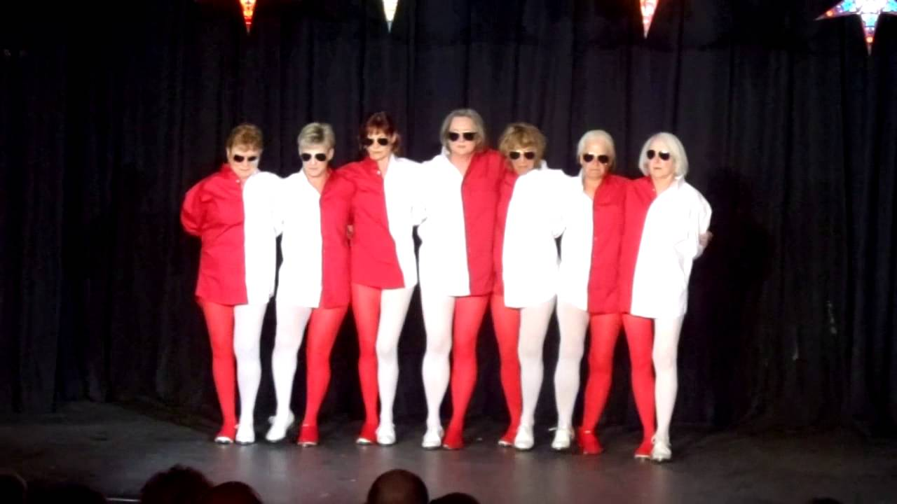 Optical Illusion Dance - Red and White - YouTube