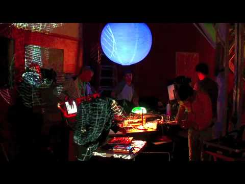 ipad morphwiz at drum machine showdown 2010 jam session madness youtube. Black Bedroom Furniture Sets. Home Design Ideas
