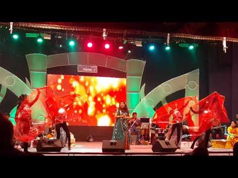 Dis Char Jhale Man - Sadhana Sargam Live Performance In Nagpur