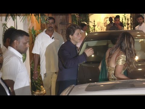 Shahrukh Khan With Wife Gauri Khan At Anil Kapoor's Diwali Party 2017