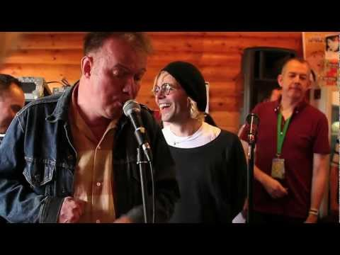 Edwyn Collins, Tim Burgess and Roddy Frame- A Girl Like You (At Tim Peaks- Kendal Calling 2012) mp3