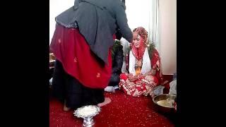 Непальская свадьба. Благословение молодых.