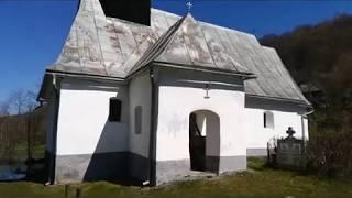 Biserica din Vinta, comuna Geamana, judetul Alba, la un pas de a fi inundata de iazul de steril.