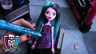 Create-A-Monster COLOR ME CREEPY™ Design Chamber | Monster High