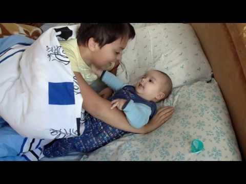 Испуг у младенца. Правильная реакция на испуг.