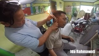 Traditional Removing Ear Wax - Removal Earwax | Neng Saloon