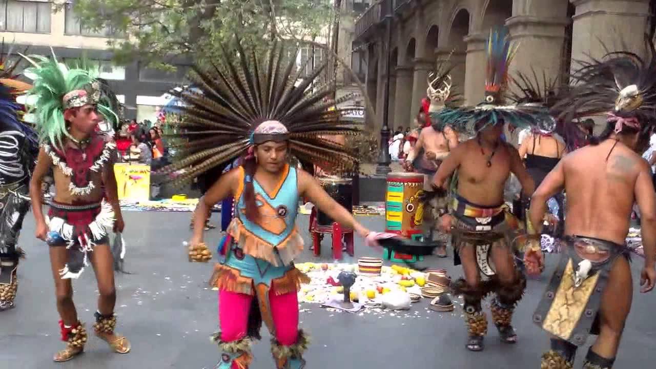 Danza Azteca En El Zócalo De La Cd De Méxicotenochtitlán Youtube