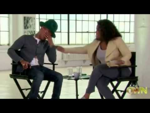 Pharrell Williams llora viendo video de fans