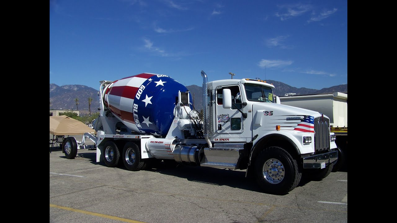 Freightliner Trucks For Sale >> Bonanza Concrete 2014 Kenworth W900s Mixer At TFK 2014 - YouTube
