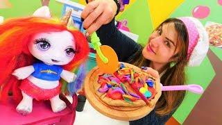 Çocuk videoları. Unicorn Poopsie ile hamur oyunları! Oyun hamuru il...