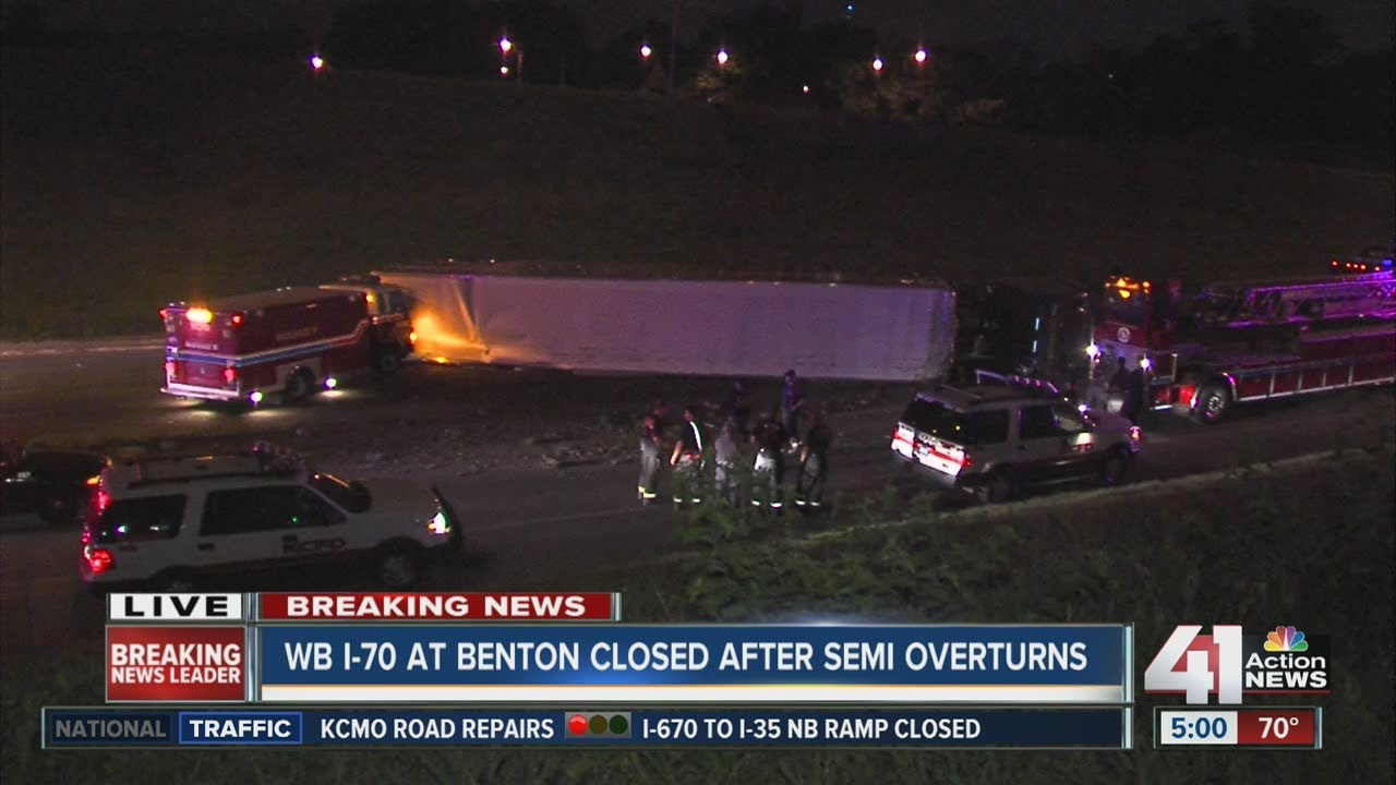 Cattle truck crash closes WB I-70 in KC