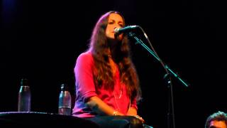 Repeat youtube video Alanis Morissette -