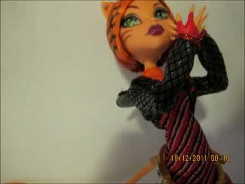 Toralei Stripe Doll Photoshoot
