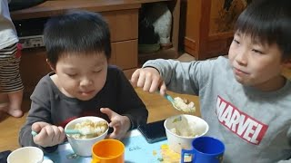 Korean Kids Eating Pork adobo|…