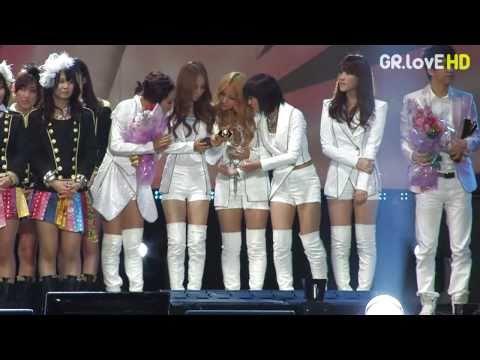 [FanCam]101023 KARA Awards & Ending Asia Song Festival by GR.LovE # 2