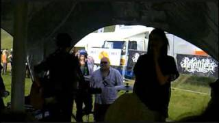Aaron Shanley & Allie Bradley - Let the Sun In - Glasgowbury 2010.wmv