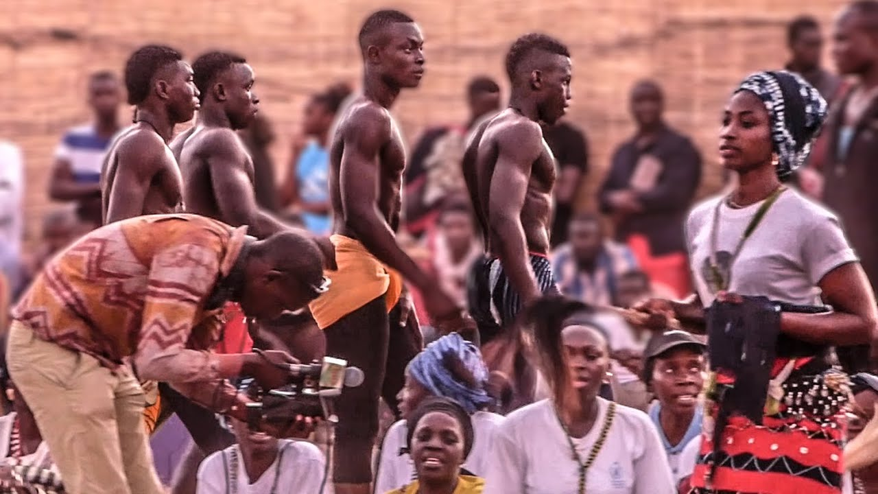 La Lutte Senegalese - Photographs and text by Christian