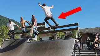 IL TENTE UN TRICKS SUPER DANGEREUX EN SKATE !! COMPETITION DE DINGUE