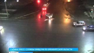 Чудом остался жив: камеры засняли, как оренбургского водителя выкинуло из автомобиля