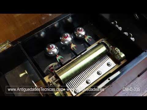 Caja de Música Antigua  con Golondrinas Autómatas. Suiza, Siglo XIX. 10 Melodías