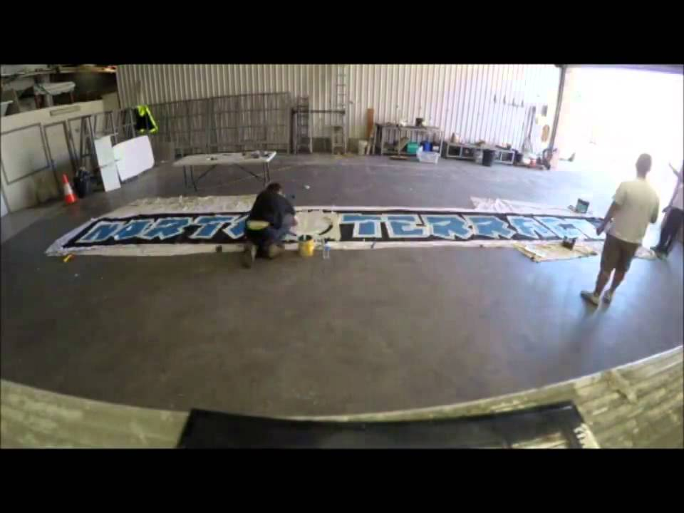 Making of: North Terrace fence banner (2014)