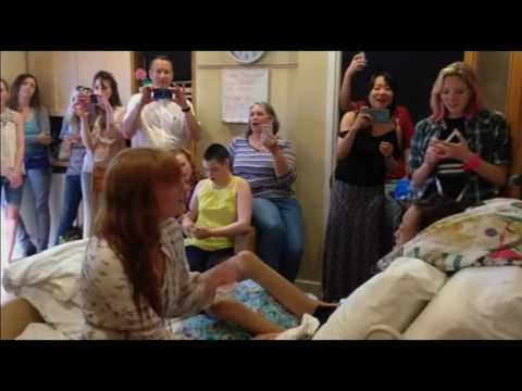 Video: Florence Welch performs for 15-year-old cancer patient