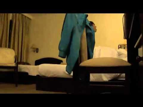 2 thằng này đi quay lén 1 cặp đôi trong khách sạn đang bậy bạ - nội dung phản cảm