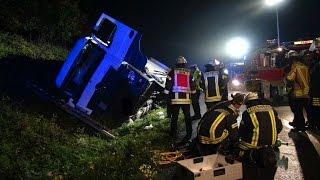 NRWspot.de | A1 bei Gevelsberg – LKW kippt um – Fahrer eingeklemmt und schwer verletzt