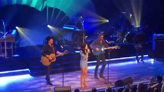 "Kacey Musgraves with Brooks & Dunn ""Neon Moon"" Ryman Auditorium 3/1/19"