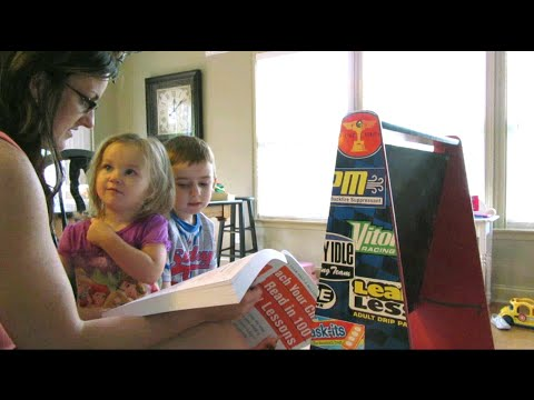 See our homeschool kindergarten reading lesson!  {Daily Vlog}