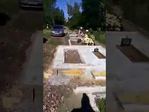 gre4ka.info: На Далекосхідному кладовищі в Кропивницькому облаштовують могили на дорозі