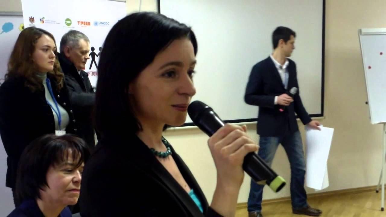 Maia Sandu vorbește cu tinerii despre corupția în educație