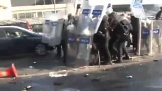 Taksim Gezi Parkı ndan Sonra Beşiktaş Çarşı da Olaylar Çarşı Polise Karşı