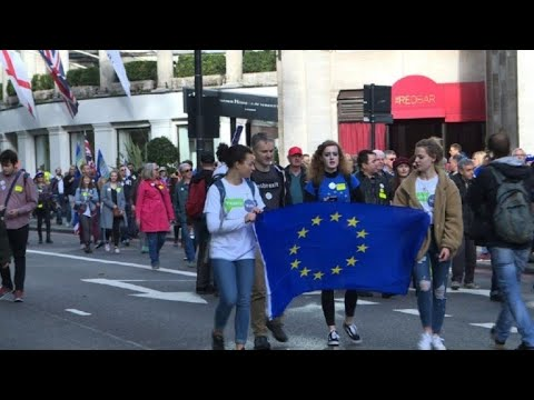 AFP news agency: Tens of thousands rally in London for new Brexit vote