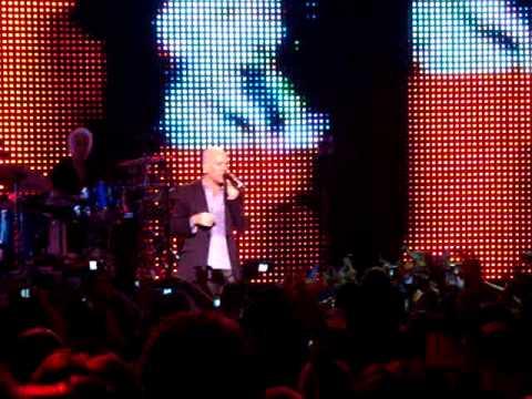 R.E.M - Losing My Religion (Live @ São Paulo, Brazil - 11.11.2008)