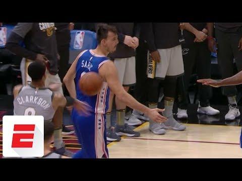 Jordan Clarkson throws ball at Dario Saric, setting off Cavaliers-76ers scuffle | ESPN