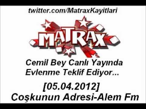 Matrax-Cemil Bey Canlı Yayında Evlenme Teklif Ediyor[05.04.2012]