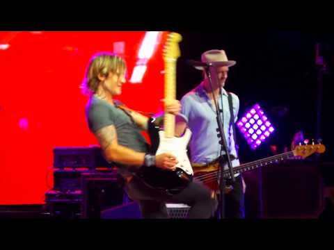 Keith Urban ~ Somebody Like You ~ Hollywood Casino Amphitheater ~ Tinley Park, IL ~ 08/18/2018