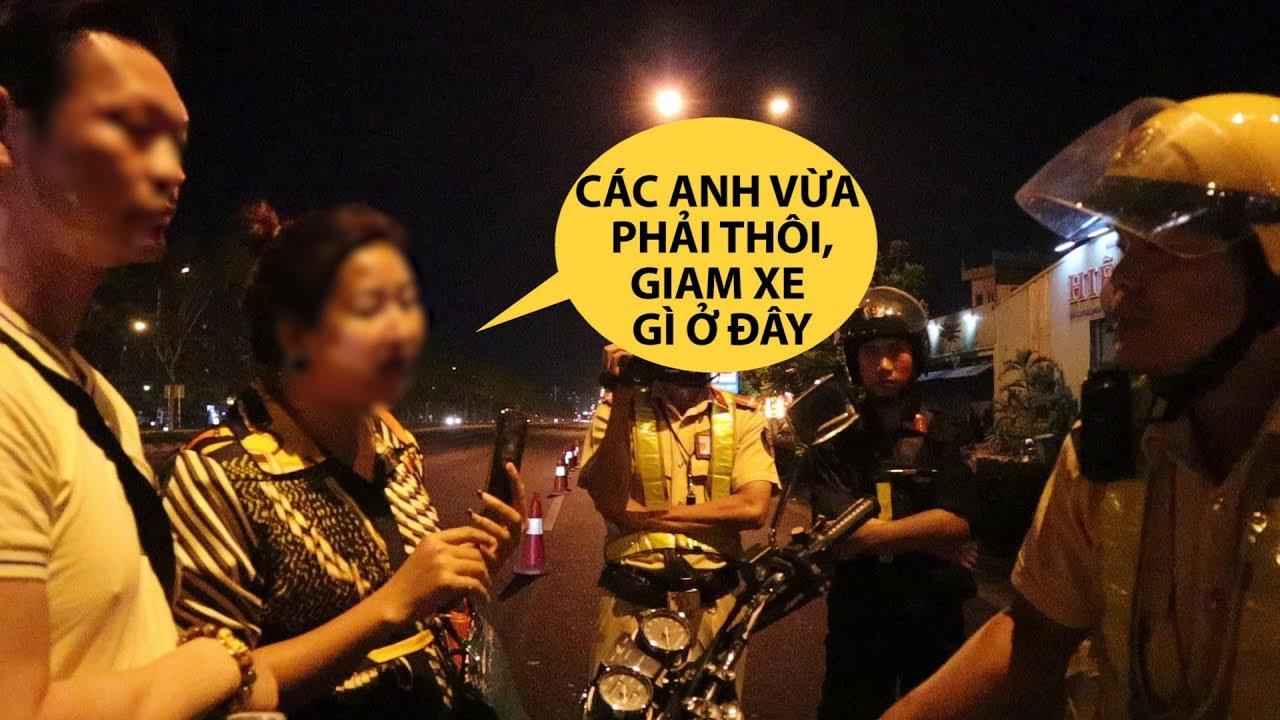 Vợ Việt kiều Pháp hùng hổ cãi luật với CSGT vì uống nửa ly bia, bị giam xe trên phố nhậu Sài Gòn