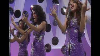Three Degrees-The Greatest Hits Medley 1975 (les dawson show)