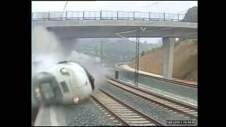 Скачать Raw Footage Spain Train CRASH Near Santiago De Compostela Accidente Tren En España