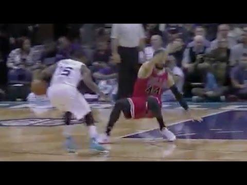 Michael Jordan Laughs After Kemba Walker Crosses Up Bulls Defender