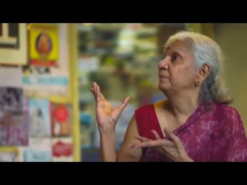 """The Story of """"GIGGLES"""" - THE BIGGEST LITTLE BOOK SHOP OF MADRAS"""